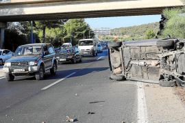 El vuelco de un coche en la autopista de Andratx causa retenciones kilométricas