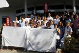 Empleados de la Policlínica protestan por el impago de las nóminas de julio