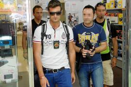 Ocho detenidos de un grupo organizado de robos y pirateo de móviles en Mallorca