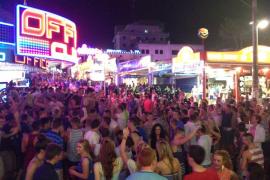 Más de 200 turistas han sido expulsados de hoteles de Magaluf por mal comportamiento en lo que va de año