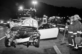 Un conductor borracho circula 100 metros por la mediana de la autopista de Andratx