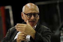 Michael Nyman estrena hoy en Alcúdia dos sinfonías «enérgicas»