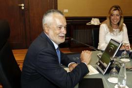 Griñán presenta su dimisión como presidente de la Junta de Andalucía