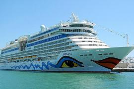 Las navieras de cruceros ven complicada la propuesta de la Reina con el Banc d'Aliments