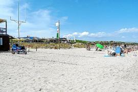 Los vecinos de Capellans también denuncian una macrofiesta en su playa