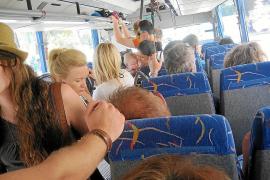 El Consorci de Transports niega el hacinamiento de pasajeros en la línea de bus de Palma al Port