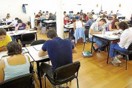 Los estudiantes eligen las bibliotecas para preparar los exámenes de septiembre