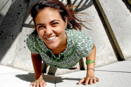 La naturaleza «frágil y viva» inspira a Nuria Rincón en 'Roots Pinky Roots'