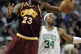 James humilló a los Celtics con la peor derrota en la fase final