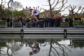 El británico Wiggins primer líder del Giro d'Italia