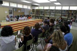 La asociación de directores rechaza dimitir y pide la renuncia de Camps
