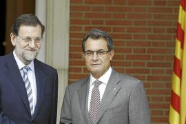 Rajoy admite un diálogo habitual con Mas y confía en pactar «cosas razonables»