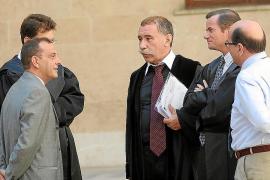 Los acusados por la estafa de las dobles ventas pactan y eluden 180 años de cárcel