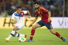 España arranca un empate a Chile en el minuto 92 (2-2)