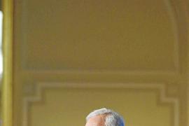 Margallo descarta pactar una secesión pero ofrece revisar el modelo territorial