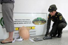 Detienen en Colombia a una mujer que escondía droga en una falsa barriga de embarazada