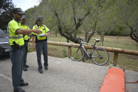 Un ciclista alemán muere tras caerse en la carretera Andratx-Capdellà