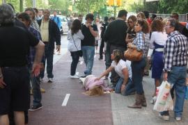 Apalea a una mujer en plena calle en Palma