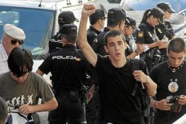La policía identifica 38 personas por incidentes registrados en el IES Arxiduc