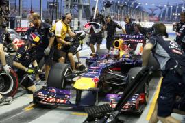 Vettel logra su quinta 'pole' de la temporada en Singapur, Alonso es séptimo