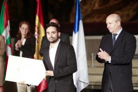 Bayona, Premio Cinematografía 2013, pide «actuar» ahora para salvar el cine