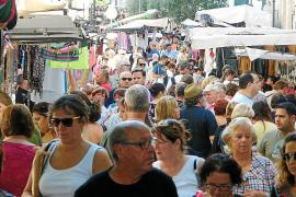 La feria de Sant  Miquel realza el comercio local