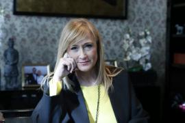La delegada del Gobierno en Madrid recibe el alta hospitalaria