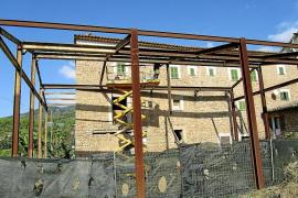 La polémica estructura de hierro de Sóller empieza a desmontarse después de 15 años