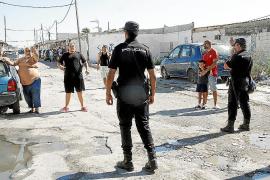 Un policía recibió un perdigonazo cuando terminaba la redada en Son Banya