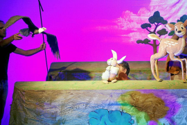 Rafel Brunet da a 'Bambi' una voz «universal» convertido en marioneta