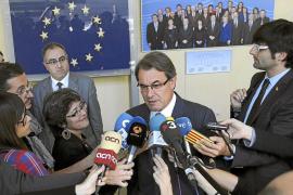 Rajoy reclama a Mas que eche atrás la consulta en un «gesto de grandeza»