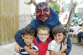 La gran participación marca las fiestas de Sant Miquel en Calonge