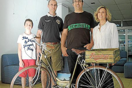 Domi Brezmes expone sus bicicletas en Inca