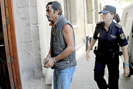 La policía detiene al indigente que incendió el poblado chabolista de Can Valero