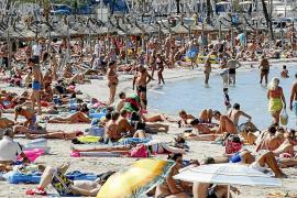 Las zonas costeras de Mallorca 'sufren' noches tropicales en otoño