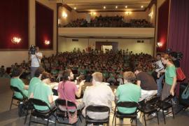 La Assemblea de Docents decide suspender temporalmente la huelga