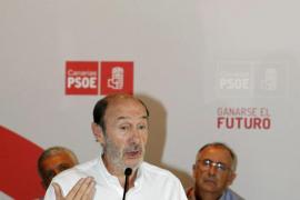 Rubalcaba: «El verdadero milagro español es llegar a fin de mes»