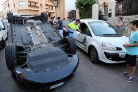 Dos vehículos vuelcan en sendos accidentes en Palma