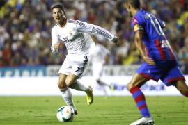 Un desdibujado Real Madrid remonta en el tiempo añadido a un buen Levante