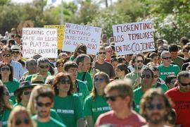 Miles de vecinos exigen en Alcanar el desmantelamiento del almacén de gas Castor