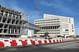 Una empresa sin actividad opta a comprar el hotel del Palacio de Congresos