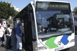 La EMT instalará mamparas de seguridad en 30 autobuses tras la última agresión a un conductor