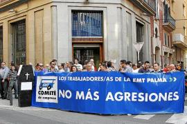 Los trabajadores de la EMT protestan contra las agresiones
