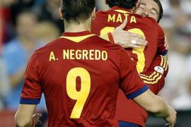 2-0. España recupera su identidad para sellar el pase al Mundial