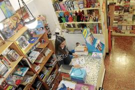 Los libreros «dinamizan» sus espacios con una programación permanente