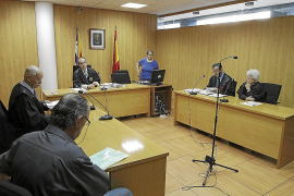 Asima insiste ante el juez en que «no regaló» a Cort el solar de los Bomberos