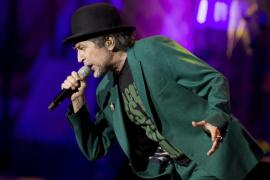 Joaquín Sabina sufre un 'susto' durante un concierto en México
