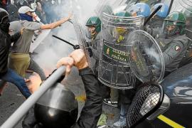 Miles de portugueses e italianos se rebelan en la calles contra la austeridad