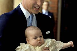 Príncipe Guillermo con su hijo