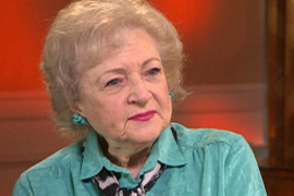 Betty White, la «chica de oro» de moda en Hollywood